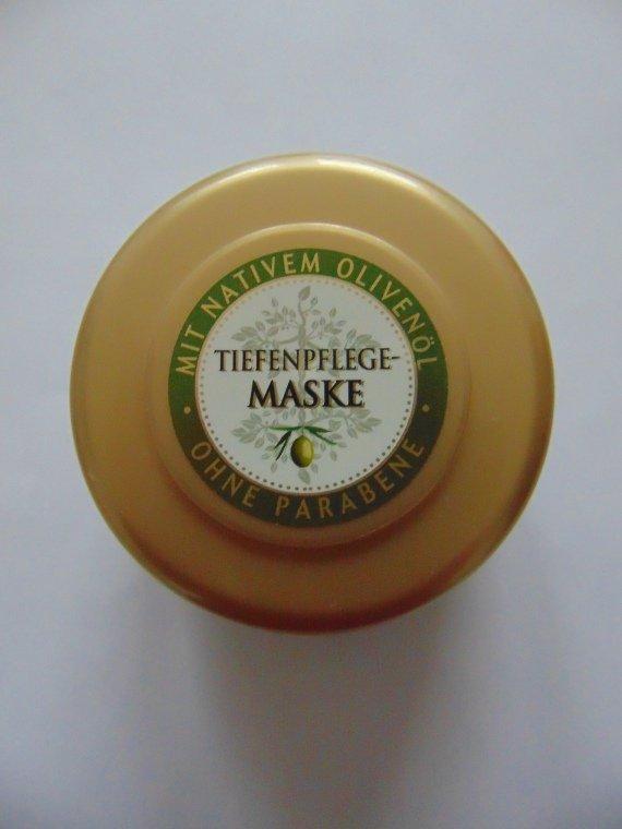 Die Maske gegen den Haarausfall mit den Eiern