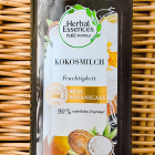 Real Botanicals - Feuchtigkeit Kokosmilch Shampoo