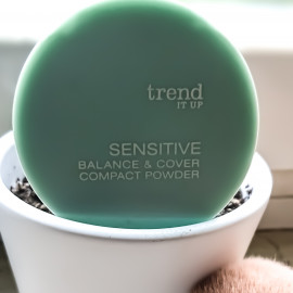 Balance & Cover Compact Powder von Trend IT UP Sensitive