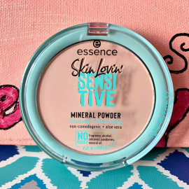 Skin Lovin' Sensitive Mineral Powder - essence