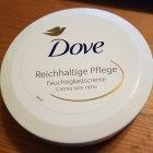 Reichhaltige Pflege Feuchtigkeitscreme von Dove