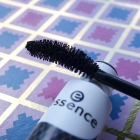 You better work! Volume & Curl Mascara von essence