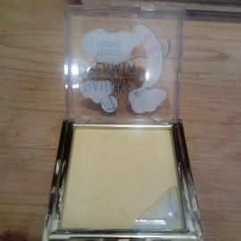 Banana Dreamin' Pressed Powder von W7 Cosmetics